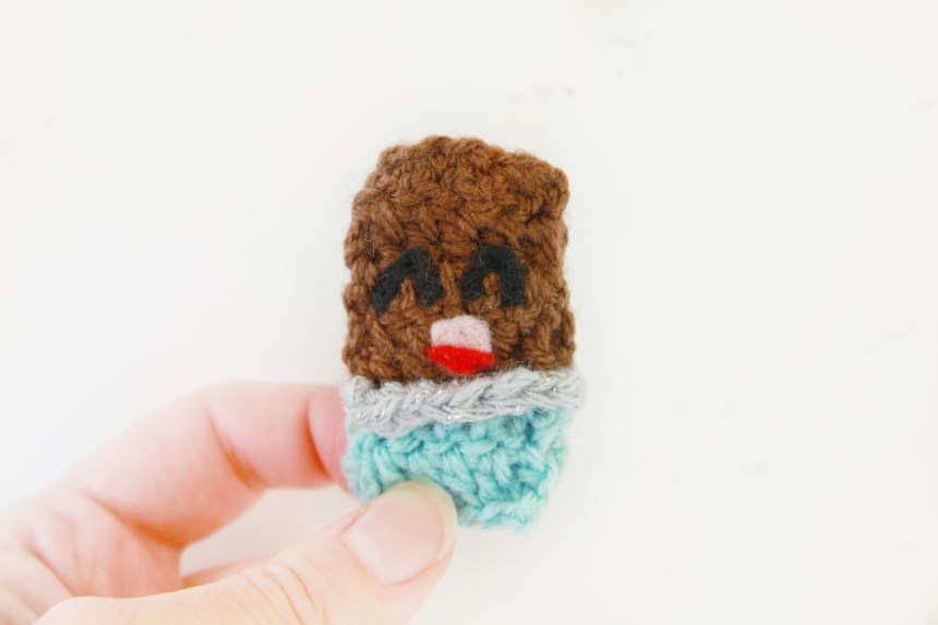 Chocolate Bar Free Crochet Candy Pattern: 31 Days of Candy Day 28 by E'Claire Makery