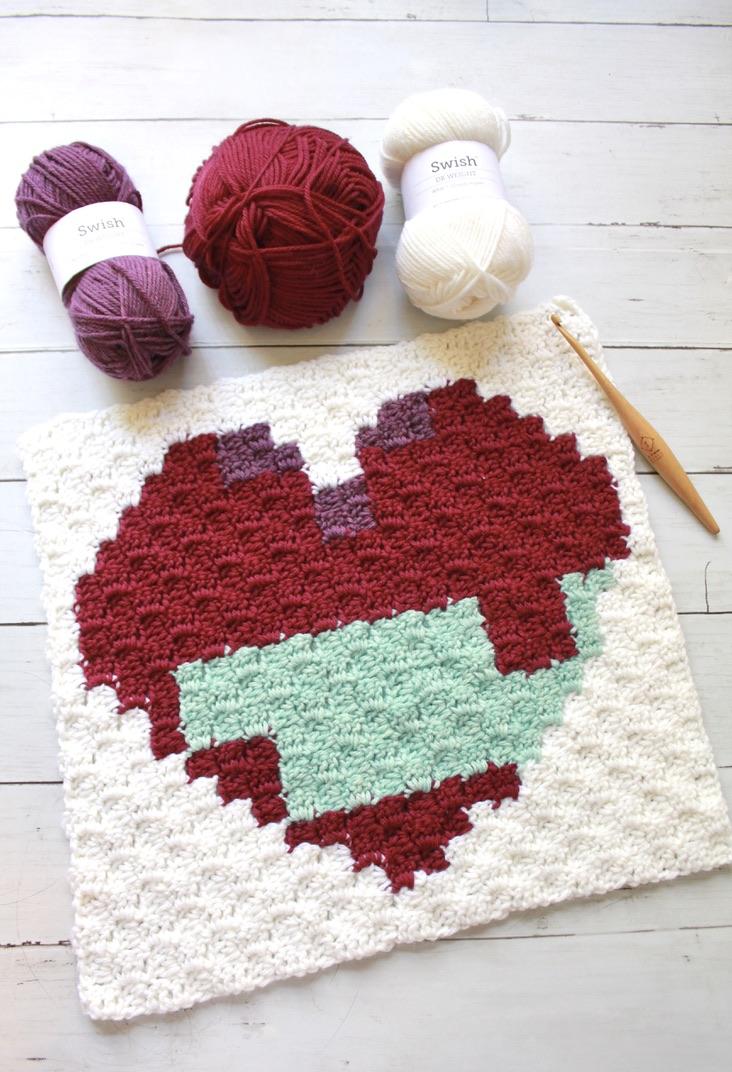 C2C Crochet Heart Blanket Square: Free Crochet Pattern
