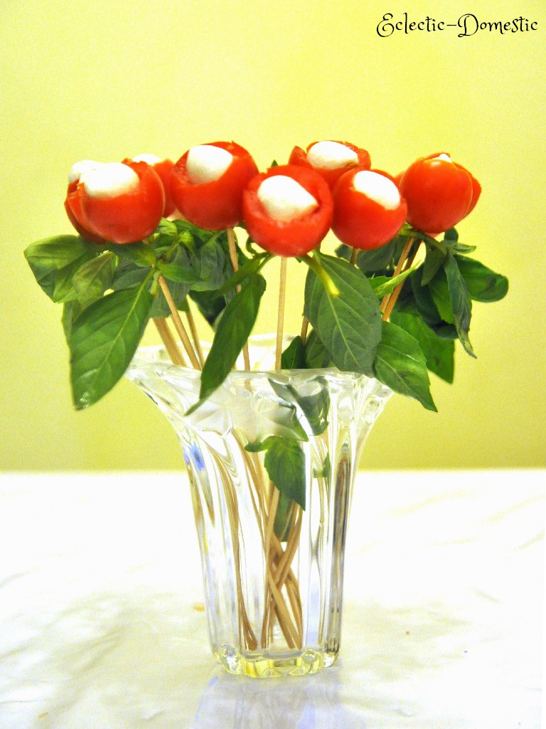 From the heart ... to the heart (Tomato and mozzarella bouquet appetizer)