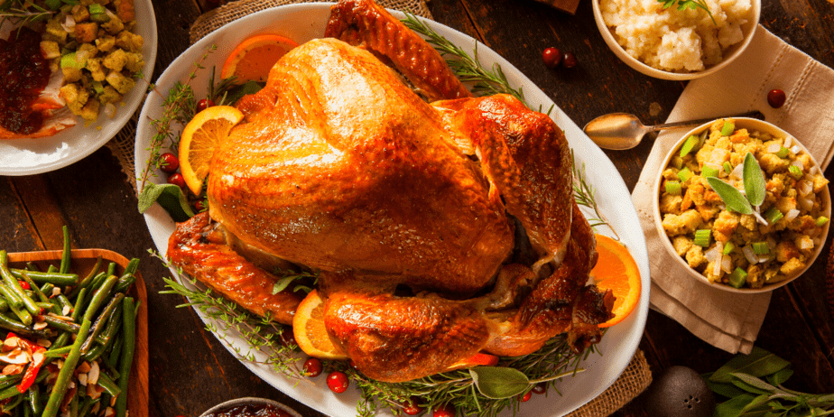 A delicious looking thanksgiving dinner with turkey