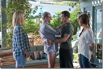 "Jenna Elfman as ""Annie"", Richard Jenkins as ""Mr. Harper"", Justin Timberlake as ""Dylan"" and Mila Kunis as ""Jamie""  in Screen Gems' FRIENDS WITH BENEFITS."