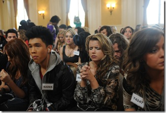 AMERICAN IDOL: Hollywood: Over 300 conetstants made it to Hollywood and only 70 will survive. The Hollywood round begins Wednesday, Feb, 8 (8:00-9:00 PM ET PT ) and Thursday, Feb. 9 (8:00-9:00 PM ET/PT) on FOX. Pictured: Contestants during the Hollywood round on AMERICAN IDOL. CR: Michael Becker / FOX.
