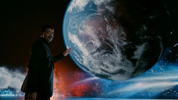 "COSMOS: A SPACETIME ODYSSEY: Host Neil deGrasse Tyson performs a thought experiment to reveal the vastness and mystery of the cosmos in the all-new ""Unafraid of The Dark"" Season Finale episode of COSMOS: A SPACETIME ODYSSEY airing Sunday, June 8 (9:00-10:00 PM ET/PT) on FOX and Monday, June 9 (9:00-10:00 PM ET/PT) on Nat Geo."