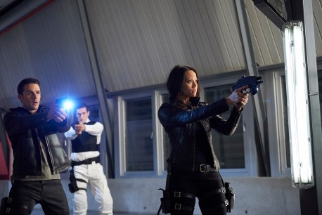 "DARK MATTER -- ""Episode Twelve"" Episode 112 -- Pictured: (l-r) Mark Bendavid as One, Melissa O'Neil as Two -- (Photo by: Russ Martin/Prodigy Pictures/Syfy)"