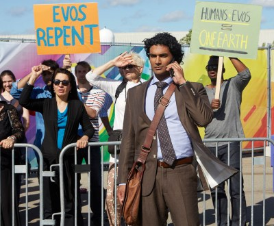 """HEROES REBORN -- """"The Day"""" Episode 107 -- Pictured: Sendhil Ramamurthy as Mohinder Suresh -- (Photo by: Sophie Giraud/NBC)"""
