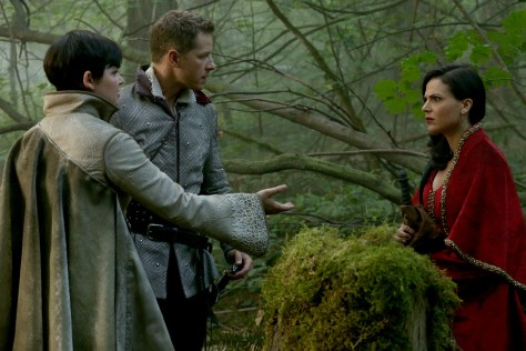 "ONCE UPON A TIME - ""Dreamcatcher"" - In Camelot, as Mary Margaret and David attempt to retrieve the Dark One dagger, Emma uses a dreamcatcher to look into the past to see how Merlin was transformed into a tree. Together, Emma and Regina figure out the critical ingredient they must acquire to free Merlin, but it's a race against Arthur, who does not want Merlin released. Meanwhile, with encouragement from his moms, Henry musters up the courage to ask Violet on a date. Back in Storybrooke, the heroes break into Emma's house hoping to locate Gold, but what they find will give them a glimpse of Emma's end game. Far from prying eyes, Merida sets about the mission Emma has tasked her with and begins molding Gold into the hero they need to draw Excalibur, on ""Once Upon a Time,"" SUNDAY, OCTOBER 25 (8:00-9:00 p.m., ET) on the ABC Television Network. (ABC/Jack Rowand) GINNIFER GOODWIN, JOSH DALLAS, LANA PARRILLA"