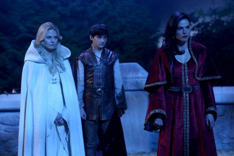 """ONCE UPON A TIME - """"Dreamcatcher"""" - In Camelot, as Mary Margaret and David attempt to retrieve the Dark One dagger, Emma uses a dreamcatcher to look into the past to see how Merlin was transformed into a tree. Together, Emma and Regina figure out the critical ingredient they must acquire to free Merlin, but it's a race against Arthur, who does not want Merlin released. Meanwhile, with encouragement from his moms, Henry musters up the courage to ask Violet on a date. Back in Storybrooke, the heroes break into Emma's house hoping to locate Gold, but what they find will give them a glimpse of Emma's end game. Far from prying eyes, Merida sets about the mission Emma has tasked her with and begins molding Gold into the hero they need to draw Excalibur, on """"Once Upon a Time,"""" SUNDAY, OCTOBER 25 (8:00-9:00 p.m., ET) on the ABC Television Network. (ABC/Jack Rowand) JENNIFER MORRISON, JARED GILMORE, LANA PARRILLA"""