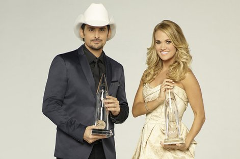 brad-paisley-carrie-underwood-cma-hosts