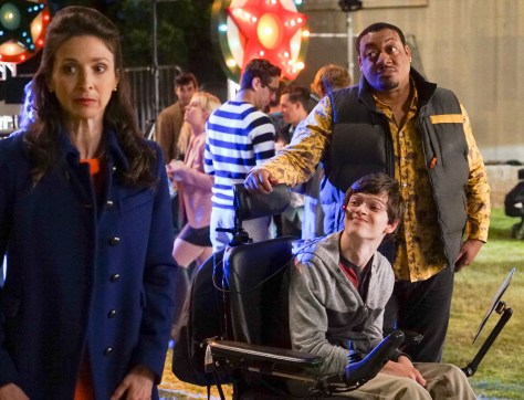 """SPEECHLESS - """"Pilot"""" - Maya DiMeo moves her family to a new, upscale school district when she finds the perfect situation for her eldest son, JJ, who has cerebral palsy. While JJ and daughter Dylan are thrilled with the move, middle son Ray is frustrated by the family's tendencies to constantly move, since he feels his needs are second to JJ Soon, Maya realizes it is not the right situation for JJ and attempts to uproot the family again. But JJ connects with Kenneth, the school's groundskeeper, and asks him to step in as a his caregiver, and Ray manages to convince Maya to give the school another chance, on the series premiere """"Speechless"""" WEDNESDAY, SEPTEMBER 21 (8:30-9:00 p.m. EDT), on the ABC Television Network. (ABC/Eric McCandless) MARIN HINKLE, MICAH FOWLER, CERDIC YARBROUGH"""