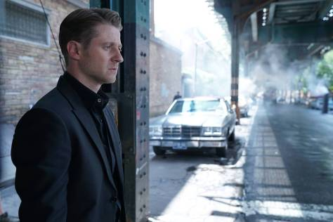 GOTHAM: Ben McKenzie in theÒMad City: New Day RisingÓ episode of GOTHAM airing Monday, Oct. 10 (8:00-9:01 PM ET/PT) on FOX.  ©2016 Fox Broadcasting Co. Cr: Jessica Miglio/FOX.