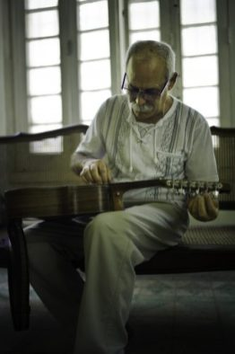 Barbarito Torres (Laúd player) stars in the documentary BUENA VISTA SOCIAL CLUB: ADIOS, a Broad Green Pictures release. Credit: Lucas Gath / Broad Green Pictures