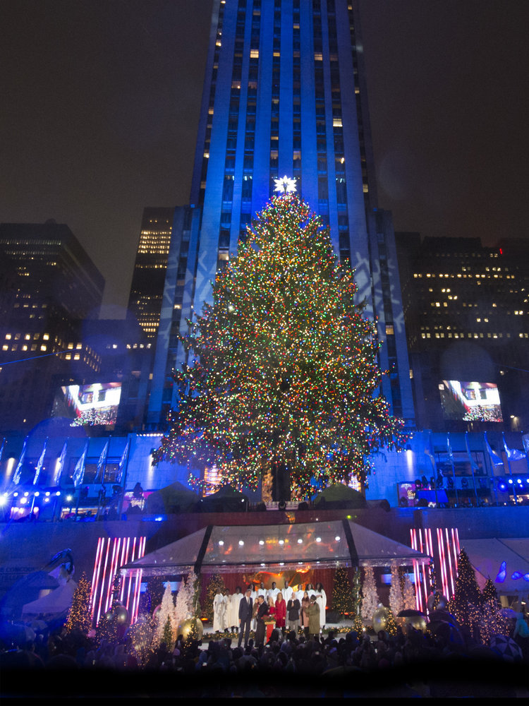 CHRISTMAS IN ROCKEFELLER CENTER u2014 Pictured u201cChristmas in Rockefeller Centeru201d Key Art u2014 (Photo by NBCUniversal) & NBC Sets Date for 2017 Christmas In Rockefeller Center ...