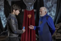 KRYPTON -- Season:1 -- Pictured: (l-r) Cameron Cuffe as Seg-El, Ian McElhinney as Val-El -- (Photo by: Gavin Bond/Syfy)