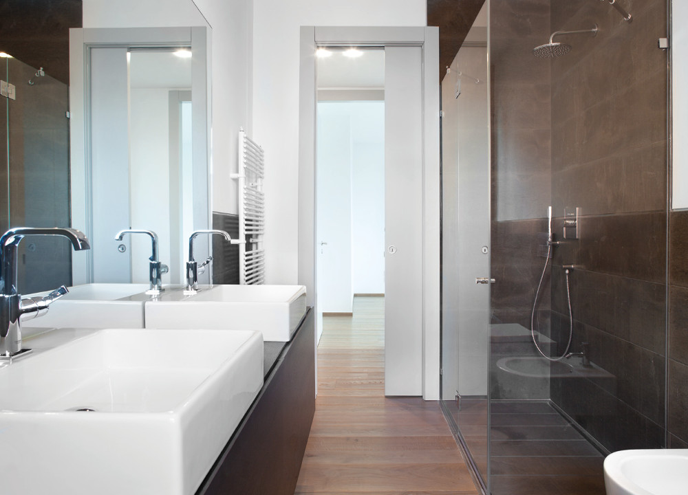 Eclisse Pocket Doors For Bathrooms : A Small Bathroom Or