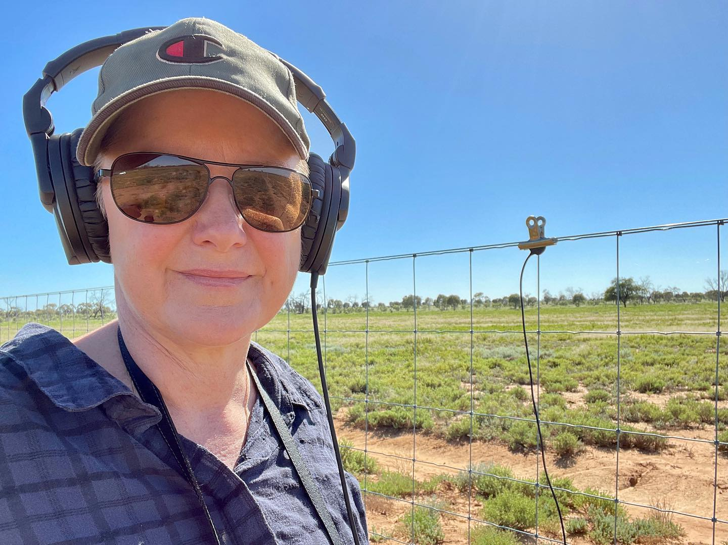 Using contact mics on the kangaroo exclusion fencing