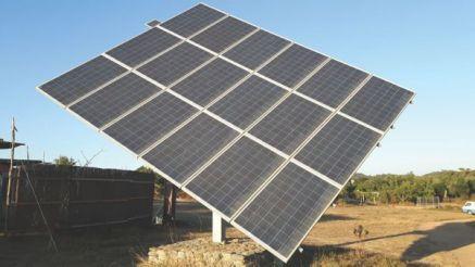 Seguidor solar montado no solo/Ground-mounted solar tracker/Bodengestützter Solartracker