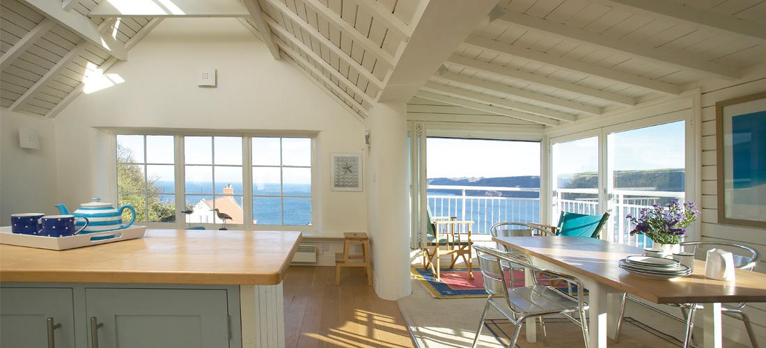 Runswick-Bay-Beach-House-1-1100x500