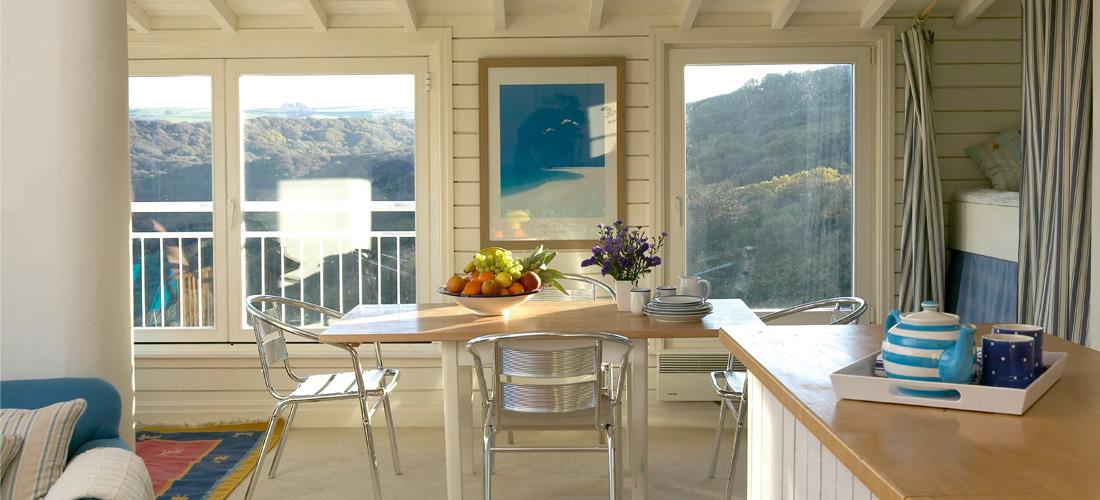 Runswick-Bay-Beach-House-6-1100x500