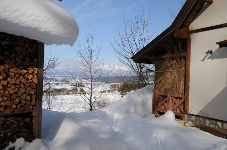 From our mountain home looking towards Mt. Eide (Photo and permission Su Grierson