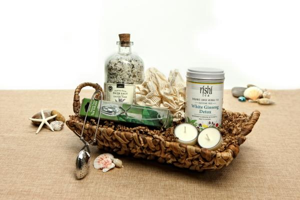 Organic Spa Gift Basket: Sereni-Tea