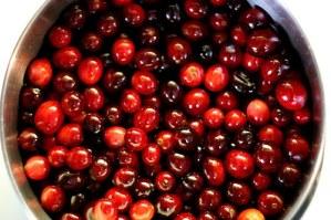 organic cranberries make delicious sauce