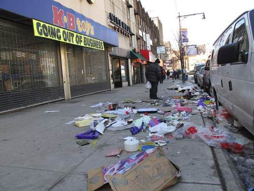 Economic Recession Litter Kb Toys Closes Store Leaving Rubbish On