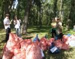 Кияни прибрали сотні кілограмів сміття у київських парках