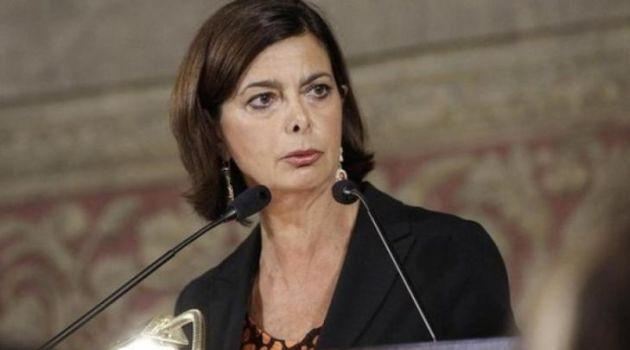 Sciogliere i gruppi neofascisti. La proposta della Boldrini tra consensi e critiche.