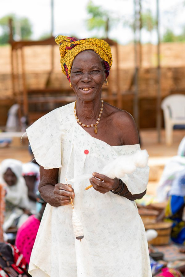 Ethical Fashion Initiative ITC Artisan in Burkina Faso Lizeta Sawadogo Weaver