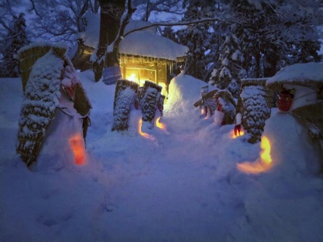 村おこしボランティア【勝山市北谷コース】での雪だるままつりの様子