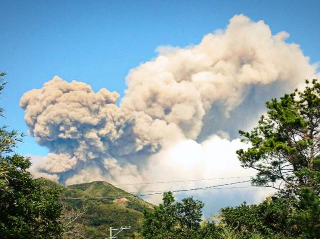 トカラ列島諏訪之瀬島の御岳の噴火