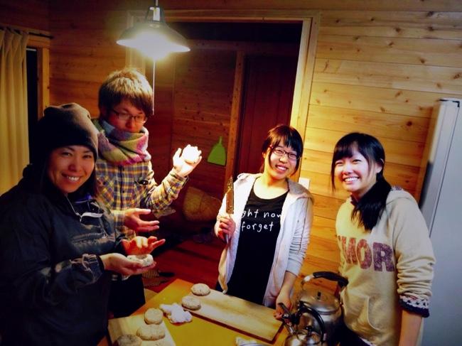 村おこしボランティア【諏訪之瀬島コース】での自炊の様子