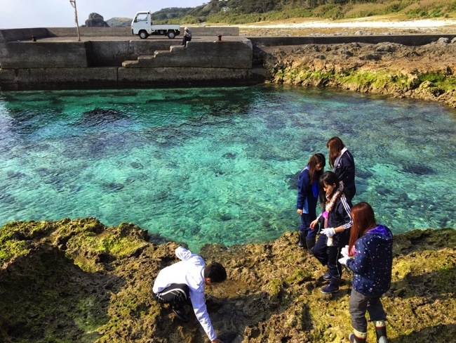 トカラ列島宝島の青い海