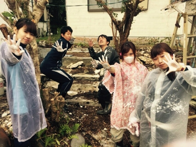 村おこしボランティア【宝島コース】でのボランティアの様子
