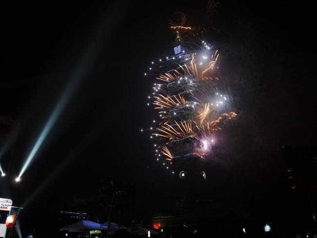 台北101の見事な花火