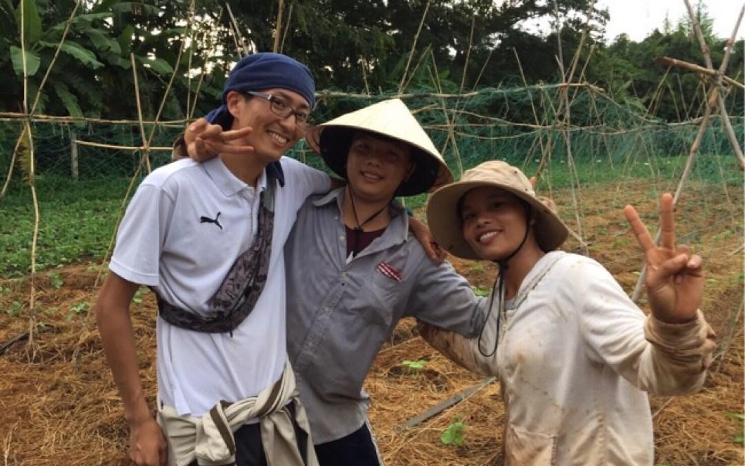 陽気で楽しいベトナム人とワイワイ農作業