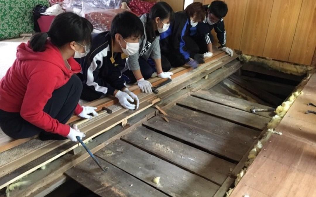 焼尻島の1〜2学級の授業に関心!