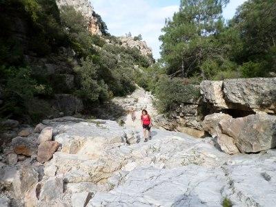 bloques de roca planos en Vall Figuera