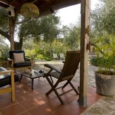 Porche y jardín © Vincent Bautes & Verónica Rey