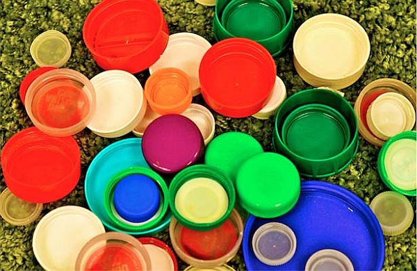 Creative ways to reuse plastic bottle caps eco friend for Creative ideas with bottle caps