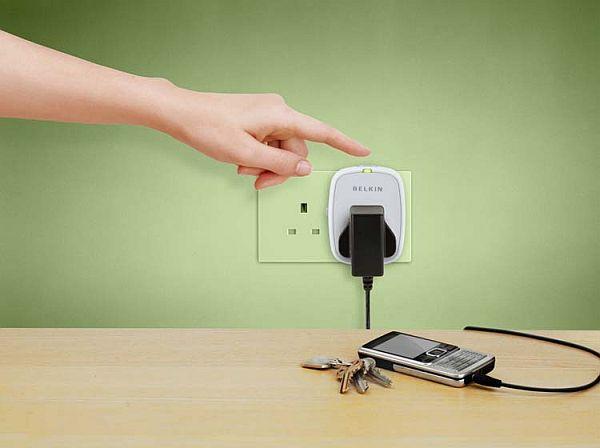 Energy preserving socket