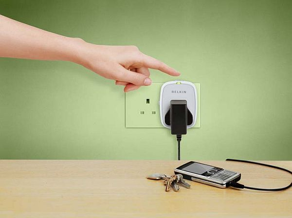 Energy preserving socket