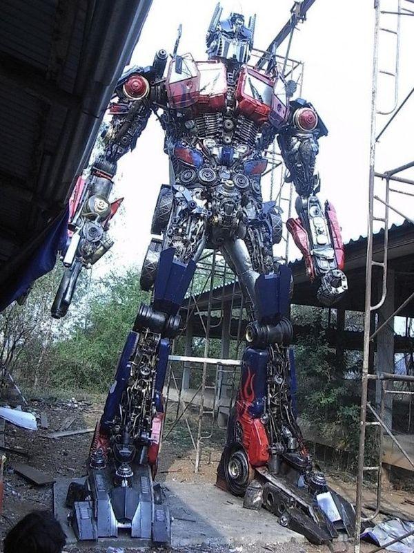 Optimus prime robot