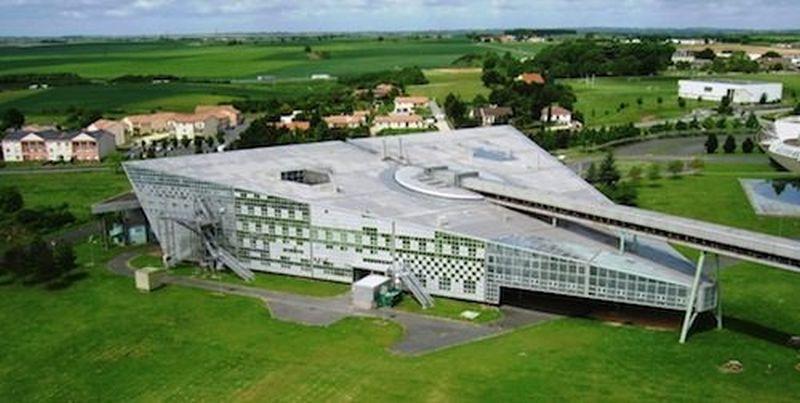 Innovative Pilot High School – Poitiers, France