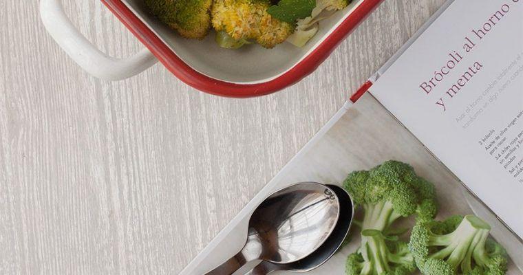 Brócoli al horno con nueces y menta