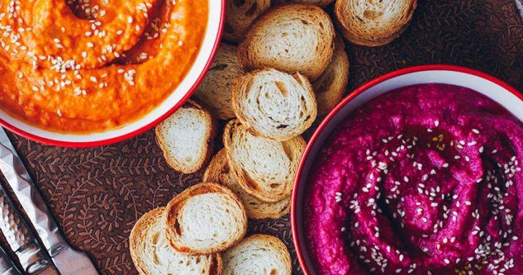 Hummus de pimientos asados y de remolacha