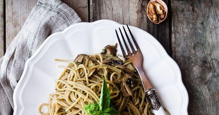 Espaguetis con pesto de espinacas