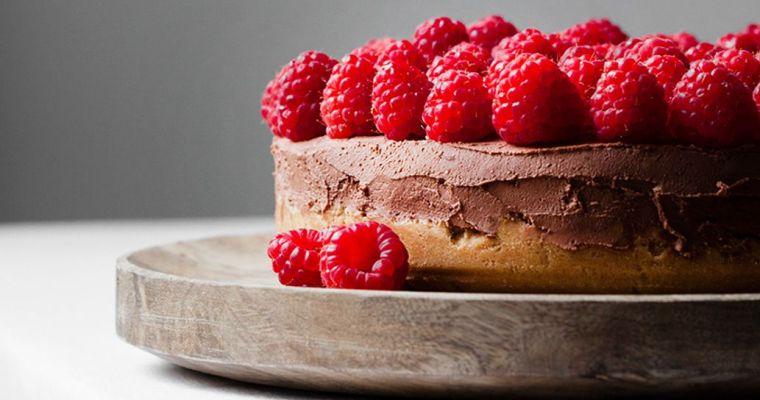 Cheesecake de chocolate y frambuesas