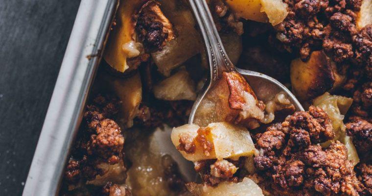 Crumble integral con manzana y pera asada