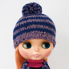 Stripey Hat and Scarf for Blythe by Flickr member anneheathen